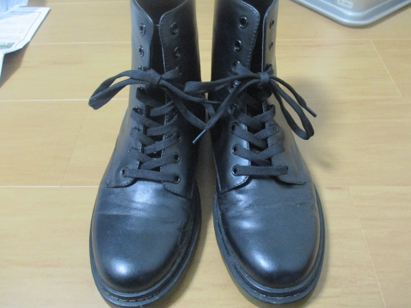 ダイソーの伸びる靴紐はしっかり厚みがある!セリアと比較